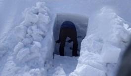 雪洞訓練(和田山牧場跡、野伏ヶ岳)