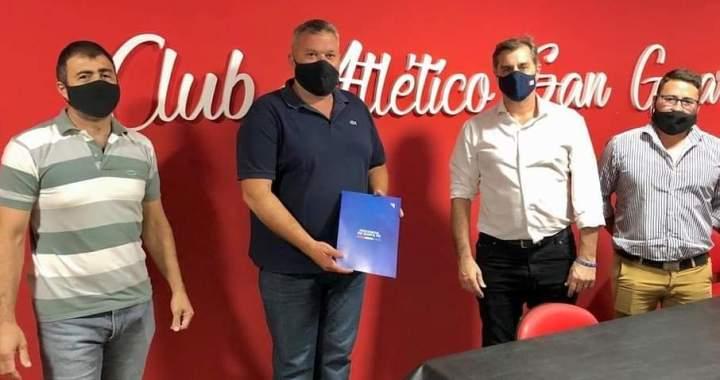 Firma de convenios con los Clubes de la ciudad