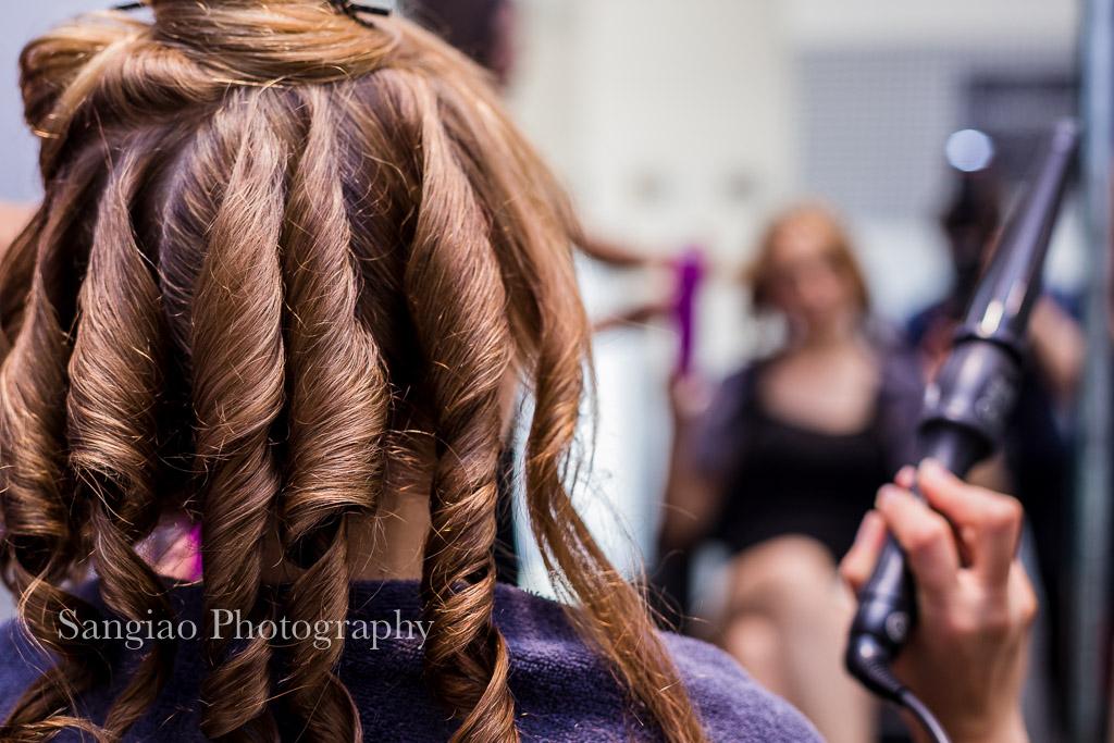fotografía Boudoir preparando el peinado Madrid