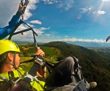 El parapente en San Gil vivir la experiencia de volar