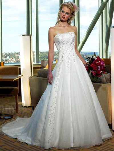 white chiffon wedding dress gown