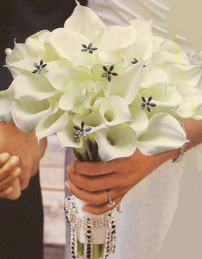 beautiful white wedding bouquet with lilies