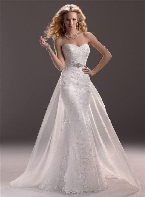 mermaid sweetheart neckline wedding dress with lace and detachable train
