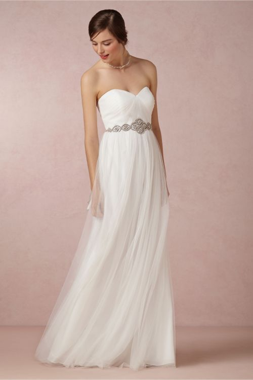 gorgeous tulle wedding dress with sweetheart neckline