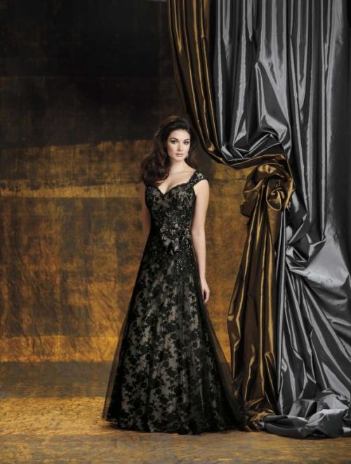 black lace sweetheart neckline wedding dress with straps