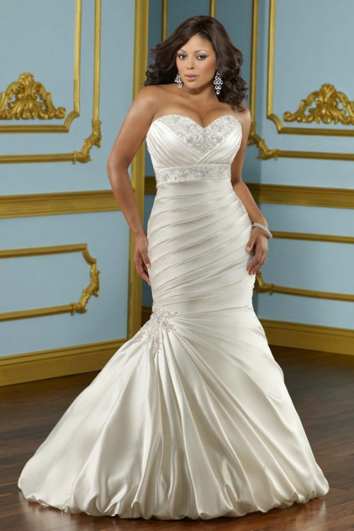 plus size sweetheart wedding dress with mermaid style
