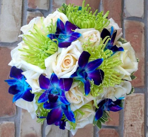 blue wedding flower arrangement