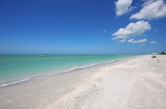 Gulf of Mexico beach in front of Loggerhead Cay condominiums on Sanibel Island, pix by Jim Anderson, JMA Photography