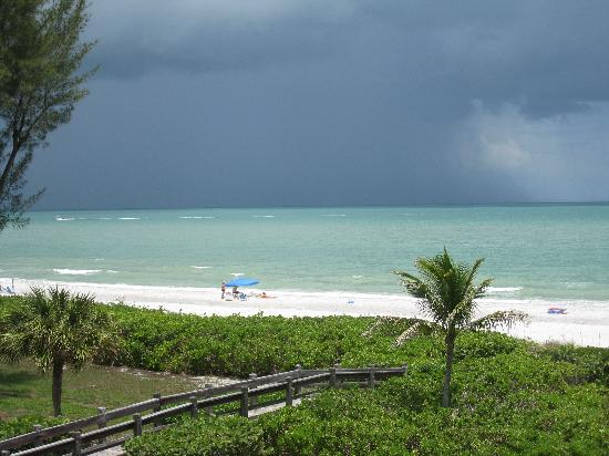 Trip advisor sanibel beach cottages afternoon-storms-rolling.jpg