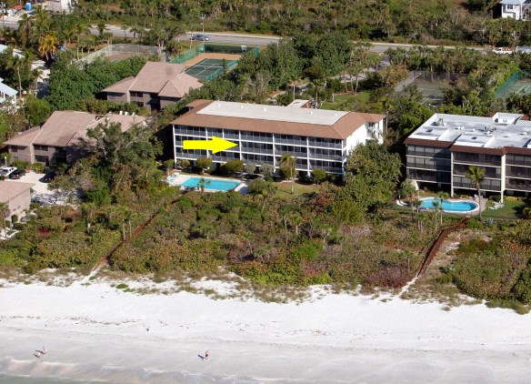 White Sands Aerial With Yellow Arrow on 23