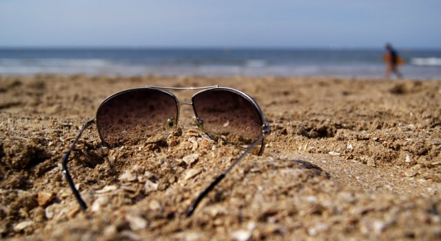 sunglasses_on_the_beach_by_chopshopstuk-d3bys0r