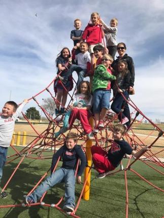 3rd grade. discovery center field trip (8)