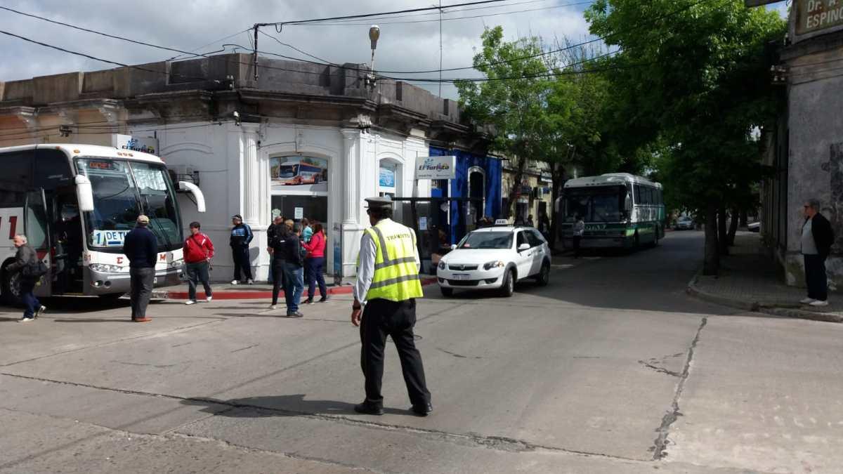 UNOTT: bloquean salidas en plena calle