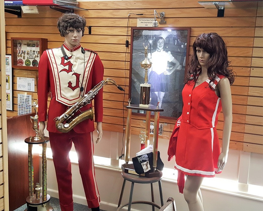 San Juan High School Band & Cheerleader Outfits