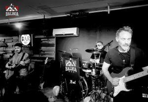 Balboa Trío: el uppercut rockero cierra enero