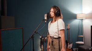 """Martina Flores presenta """"Será"""" su canción junto a Paz Carrara"""