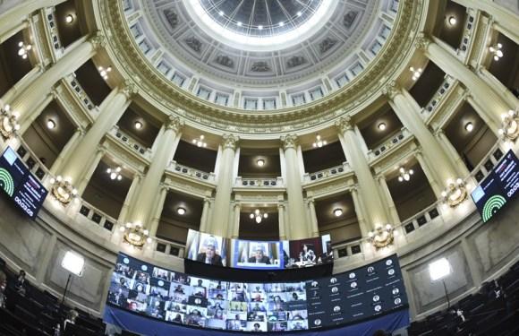 Comienza en comisiones el debate del proyecto de legalización del aborto