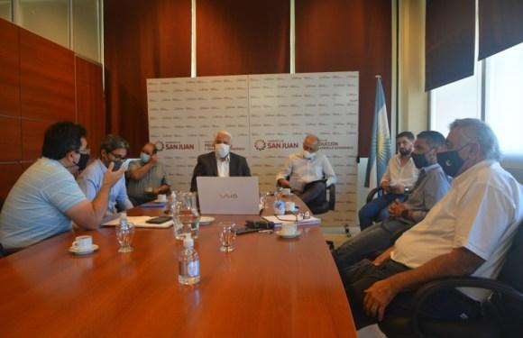 Empresarios del mosto se reunieron con Díaz Cano