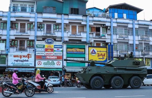 El día después del golpe: tensa calma y el miedo «a un retorno a la violencia directa»