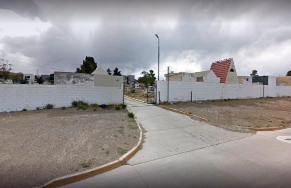 Dos hombres alcoholizados abrieron un cajón del cementerio para despedir a un familiar que murió por coronavirus