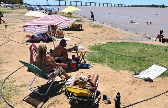 El aumento del caudal del río Paraná redujo 25 metros las playas en la costanera de Rosario