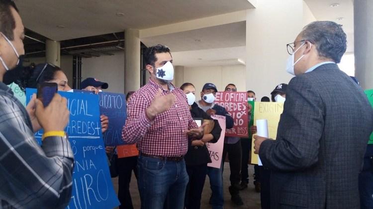 Policías jubilados y pensionados protestan contra diputados