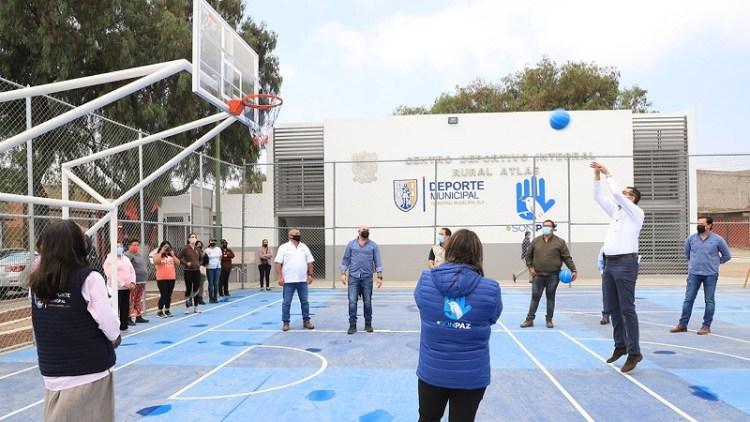 Entregó el gobierno municipal, otros dos centros deportivos