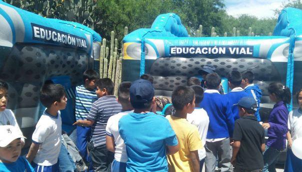 Mas de Mil 500 Pequeños de la Delegación de Bocas, Conviven con Personal de Policía Vial en el Marco del día del Niño