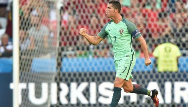 Cristiano Ronaldo deja la Confederaciones tras nacimiento de sus hijos