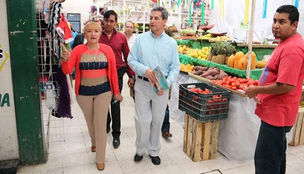 Se Refuerza Mantenimiento en mercados municipales