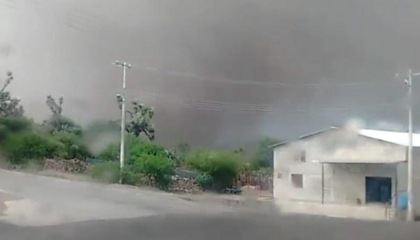 Gobierno del Estado Entrega Apoyos a los Afectados por Tornado en Villa de Zaragoza