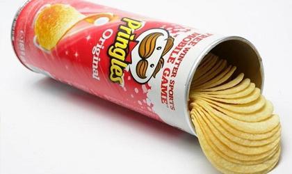 Encarcelan a mujer por causar daños a un envase de Pringles