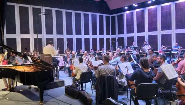 El pianista Goran Filipec se presenta con la OSSLP este fin de semana