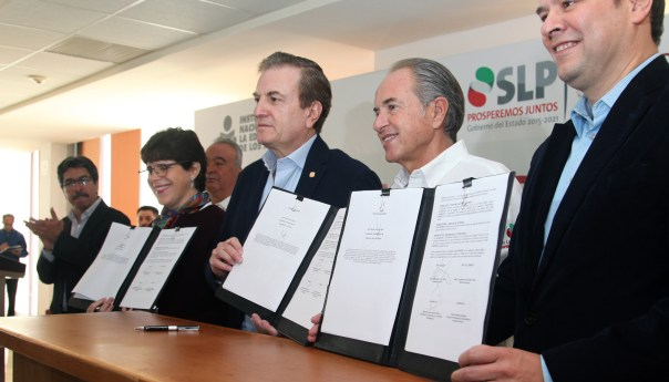 INEA y CONAFE reconocen compromiso de JM Carreras a favor de la educación