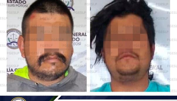 Asegura FGE en flagrancia a dos hombres en posesión de moto robada