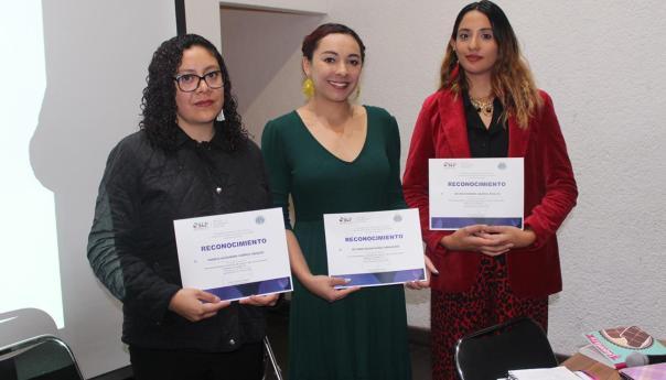 """La asociación """"raíces violetas"""" ofreció conferencia para prevenir violencia en niñas y mujeres"""