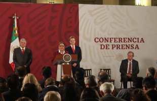 Docente potosina participó en 61 aniversario de la CONALITEG, en palacio nacional: JRD