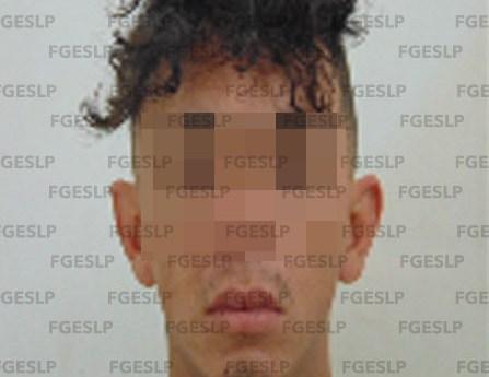 FGE detiene a presunto responsable de robo con violencia a tienda de conveniencia en SLP