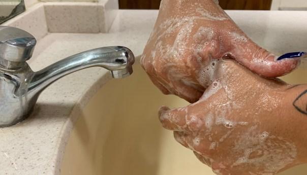 Lavado de manos disminuye la posibilidad de enfermar de covid-19: IMSS SLP