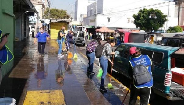 Trabajos de mantenimiento y limpieza en mercado hidalgo