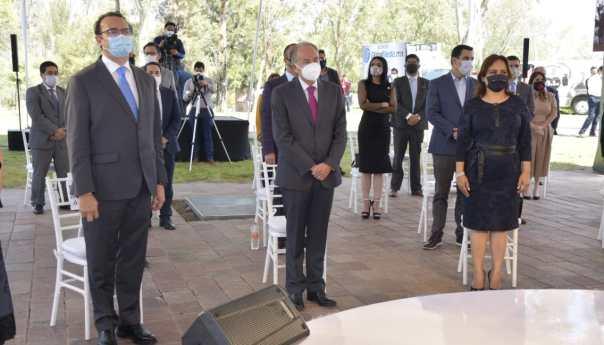 Asiste JM Carreras a segundo informe de gobierno de Xavier Nava Palacios