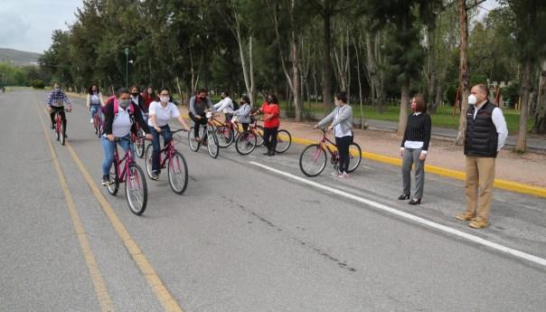 Más de 6 mil estudiantes serán apoyados en esta administración por DIF estatal, a través del programa una bici con rumbo