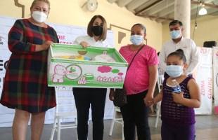 LVR entregó apoyos a familias en cerro de san pedro