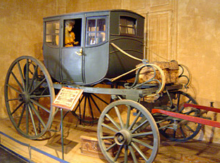 Nº33: Coche de sopandas, galera ó furgón. Fotografía 2006. M.H. de Luján.