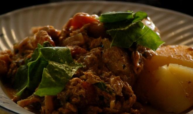 Sikgryta med potatis och mangoldsallad