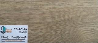 giá sàn nhựa inovar, sàn nhựa hèm khóa inovar LC2825