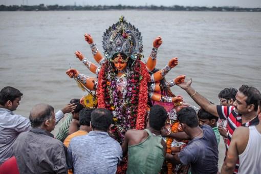 Durga Puja Kolkata – Drowning Idols