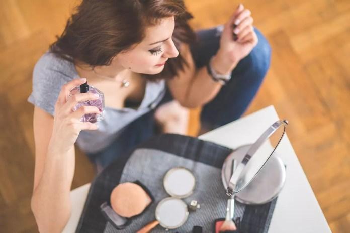 11 факта за парфюмите - Пръскате се неправилно
