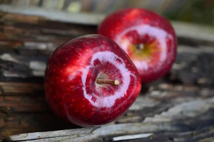 Ябълката ни пази здрави