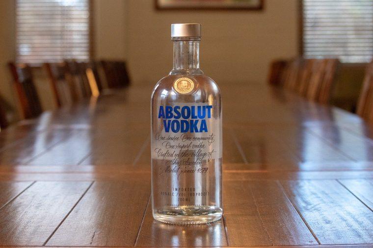6 Increíbles Utilidades Domésticas del Vodka 2